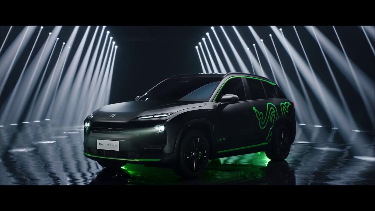 Razer ra mắt ô tô SUV chạy điện, tông xanh-đen như gear game thủ, chạy LED RGB, giá 1,6 tỷ VNĐ chưa thuế