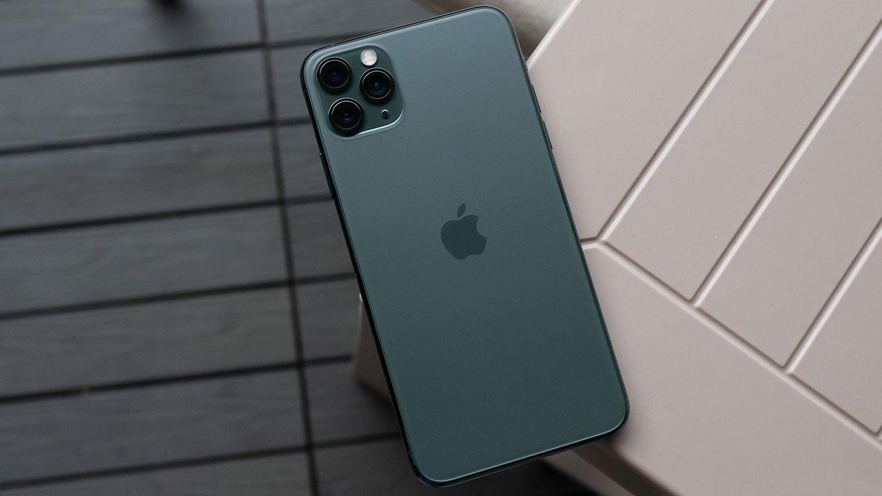iPhone 11 Pro Max được Apple trang bị viên pin 3969mAh, lớn hơn đáng kể iPhone XS Max