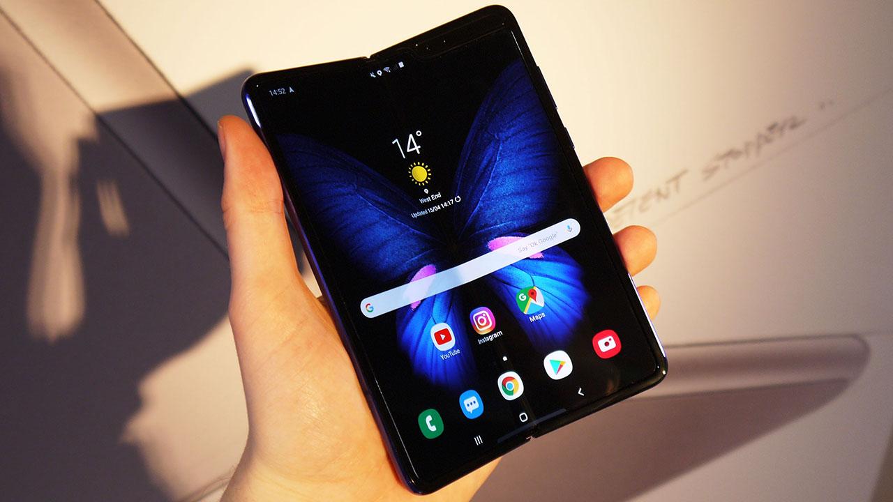 Samsung Galaxy Fold tiếp tục cháy hàng, có người chấp nhận trả đến 4.000 USD để được sở hữu một chiếc
