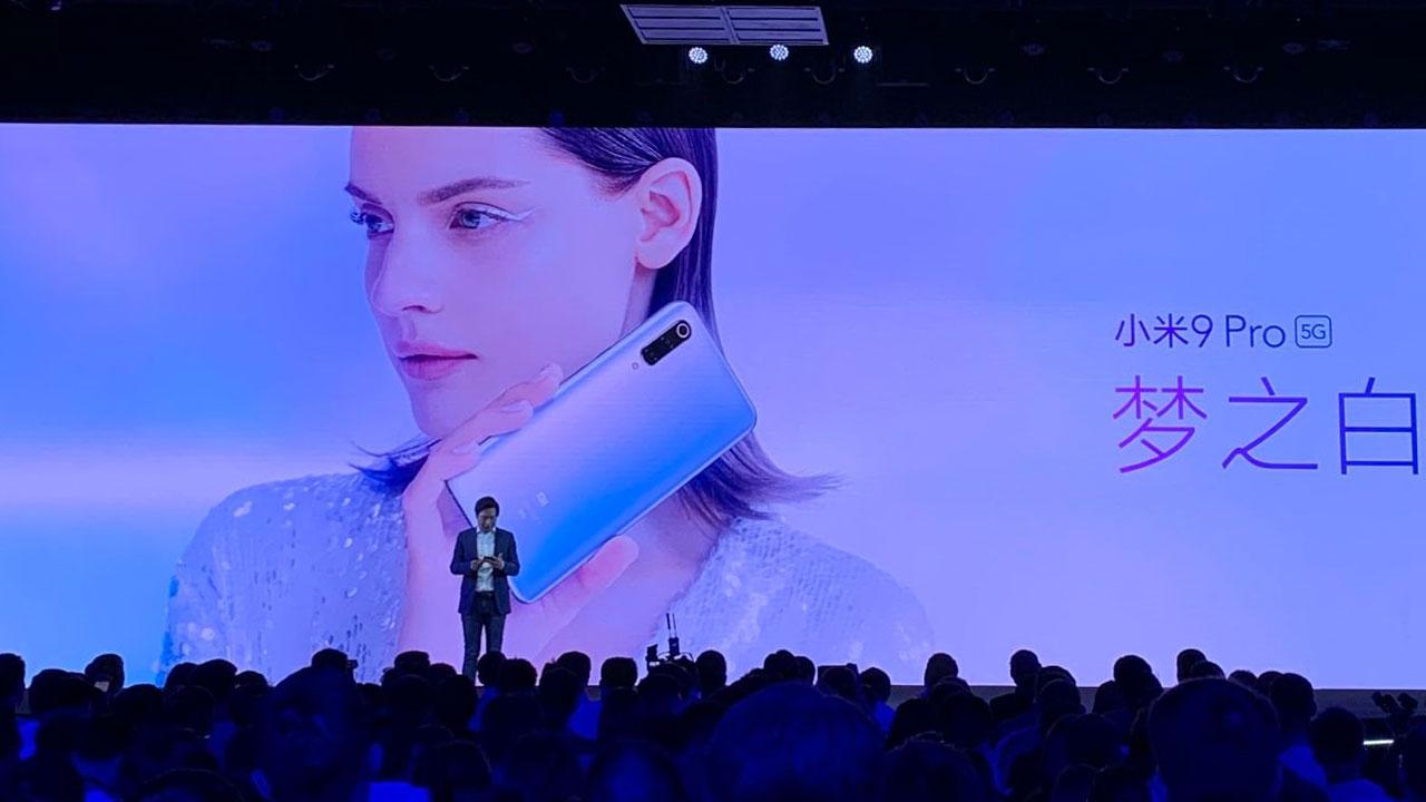 Xiaomi Mi 9 Pro 5G chính thức ra mắt với Snapdragon 855+, sạc không dây 30W nhanh nhất thế giới, kết nối 5G, giá từ 520 USD