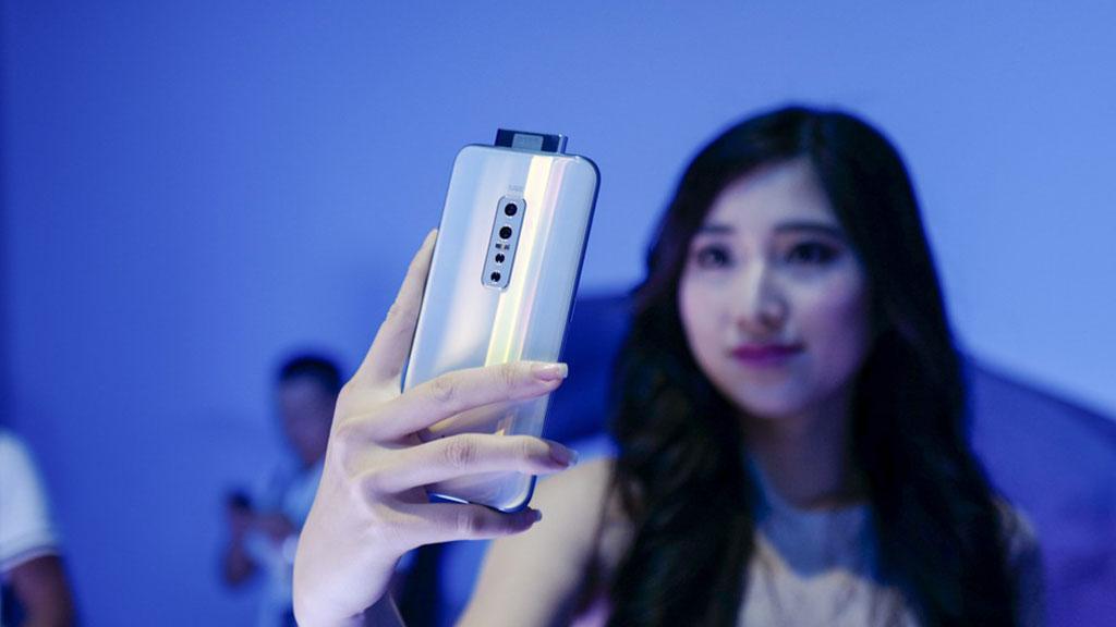 Vivo ra mắt V17 Pro tại Việt Nam với camera selfie thò thụt, màn hình tràn viền 6.44 inch, giá 9,99 triệu đồng