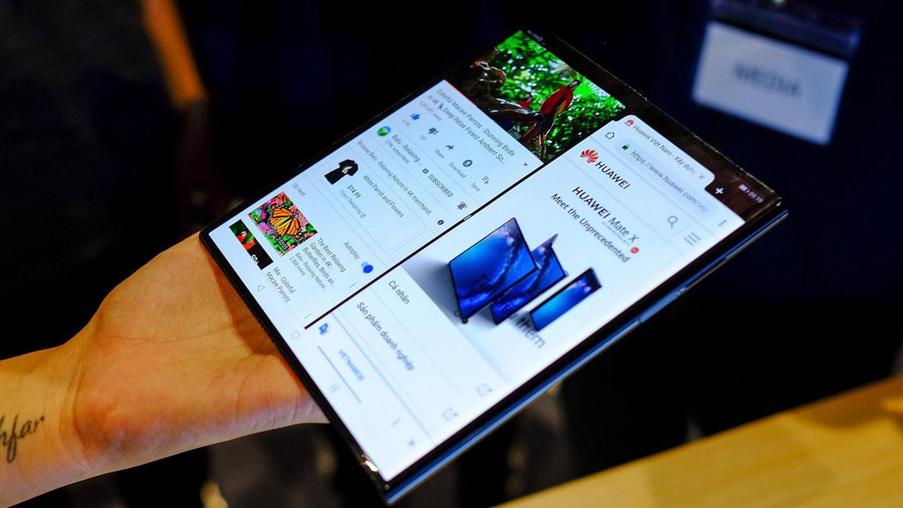 Vừa mới chính thức bán ra, Huawei Mate X bị người dùng phản ảnh gặp lỗi chảy mực màn hình