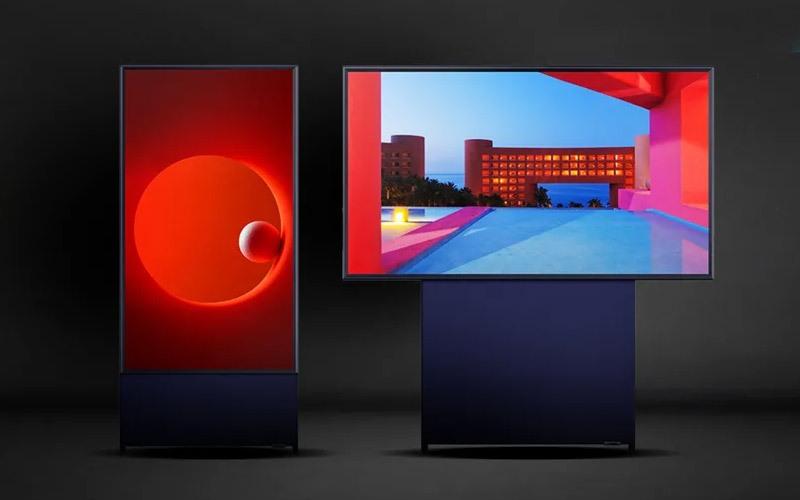 [CES 2020] Samsung ra mắt Sero TV 43 inch, có thể xoay ngang dọc như smartphone để lướt Facebook và xem video TikTok