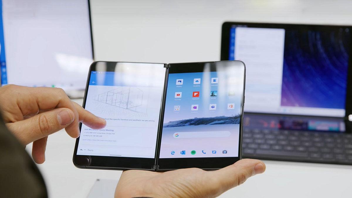 Microsoft gặp ''vận đen'' khi Surface Duo bị lỗi ngay trong buổi live stream