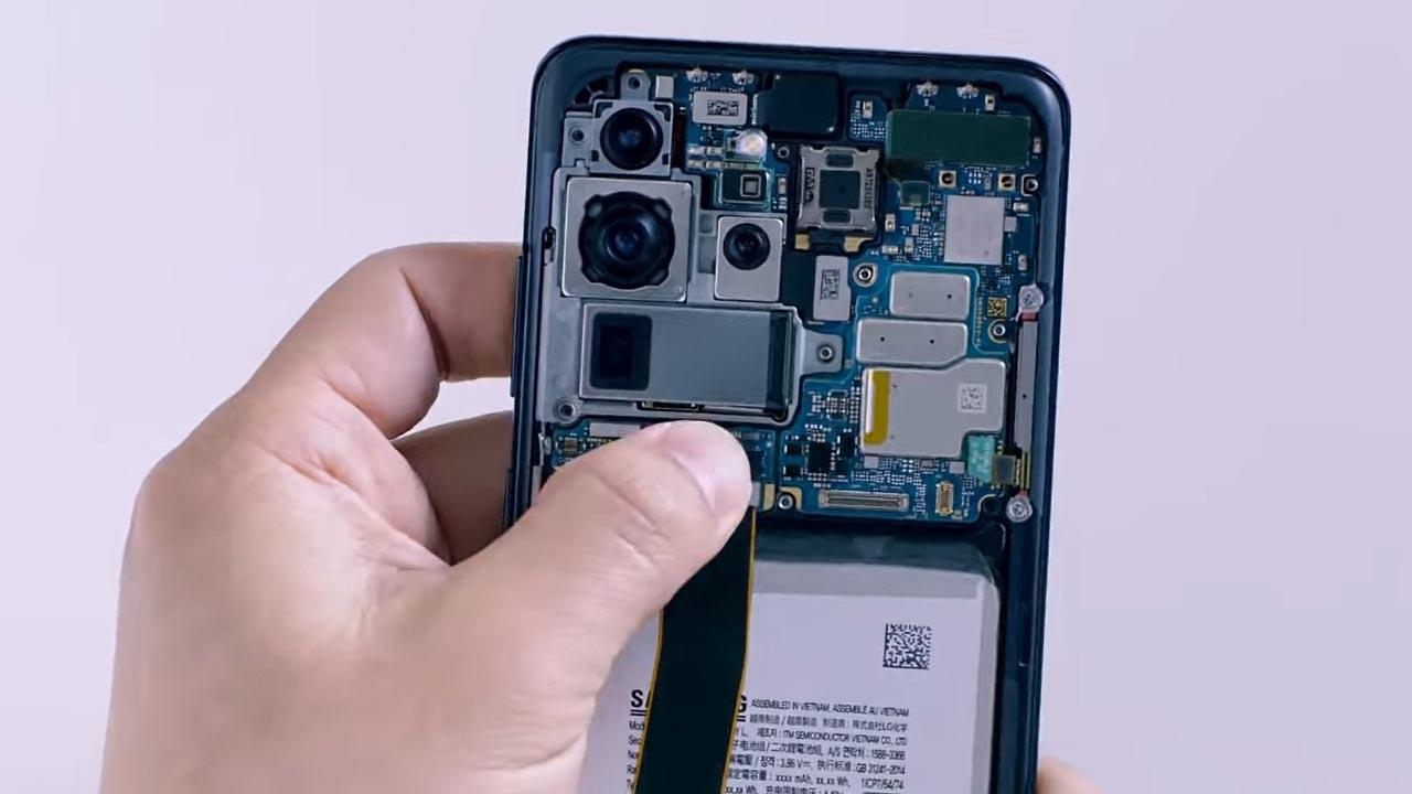 Samsung đăng tải video lắp ráp thủ công Galaxy S20 Ultra, với cụm camera siêu khủng