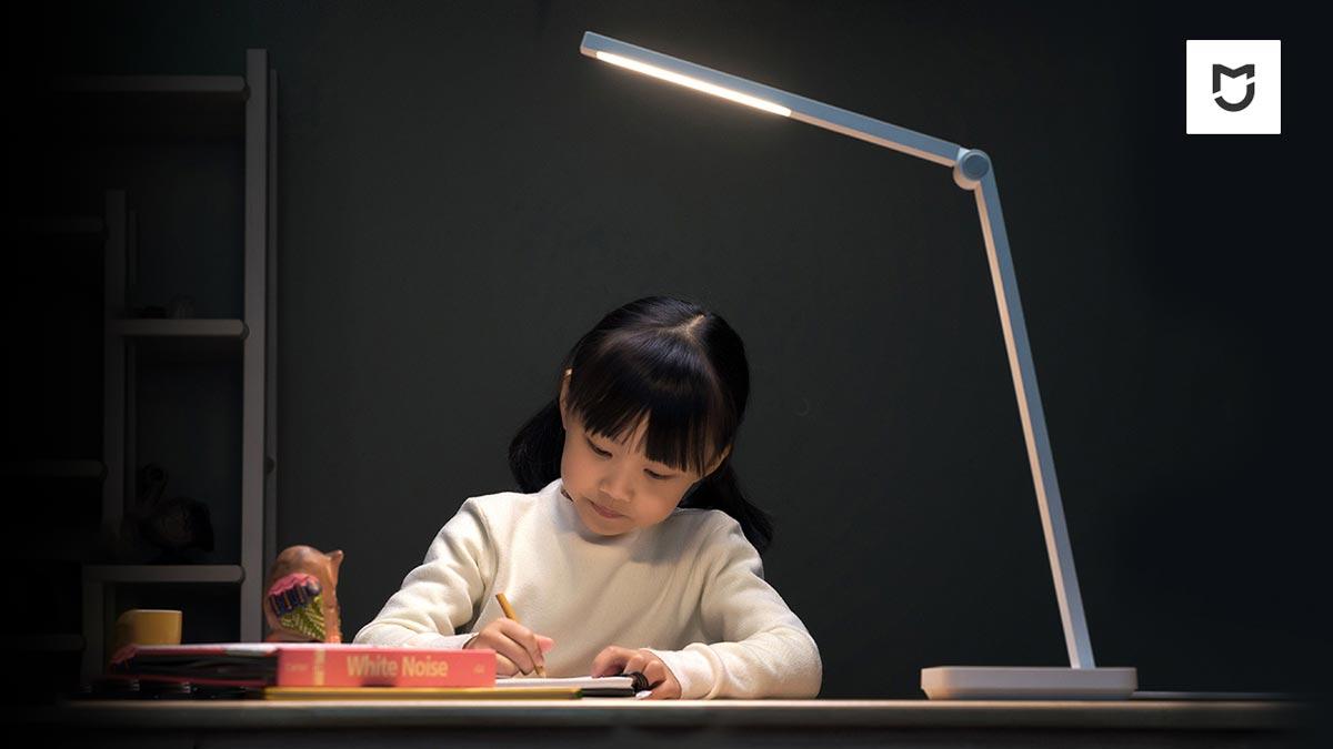 MIJIA Desk Lamp Lite: Đèn bàn giá rẻ mới của Xiaomi chỉ 11 USD