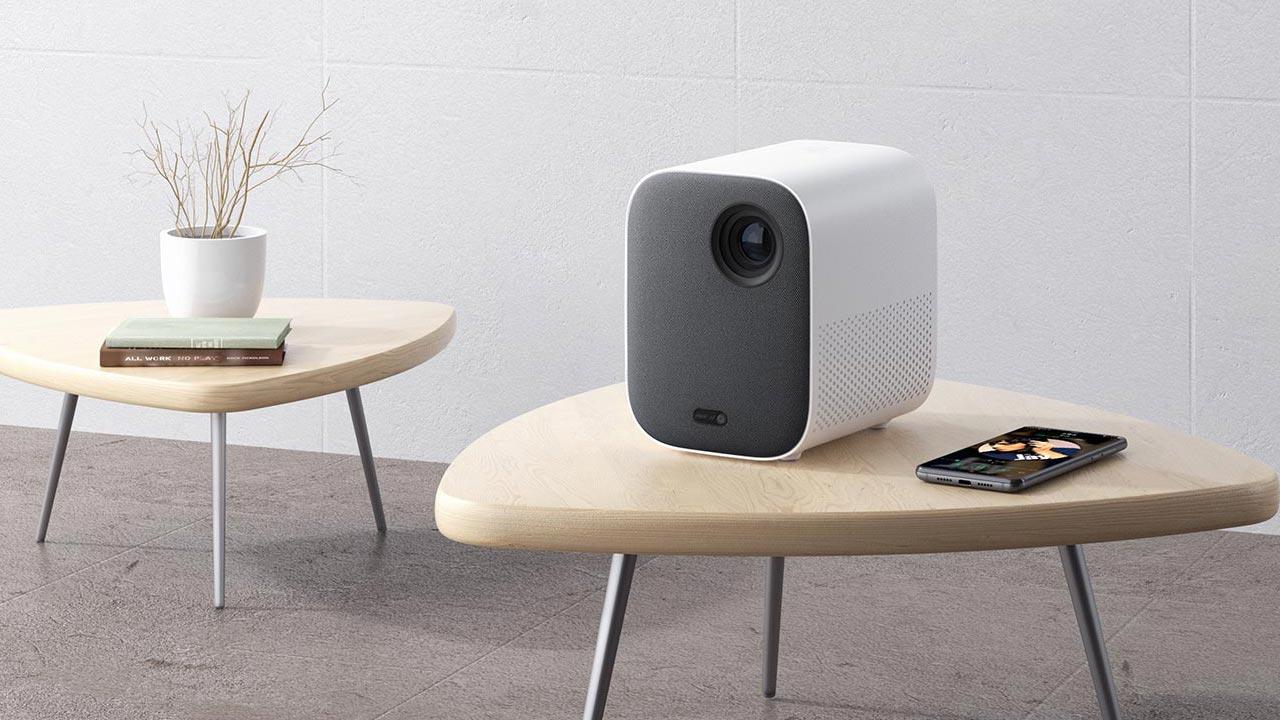 Mi Smart Compact Projector: Máy chiếu chạy Android TV của Xiaomi, tích hợp Google Assistant, giá chỉ 9.9 triệu đồng