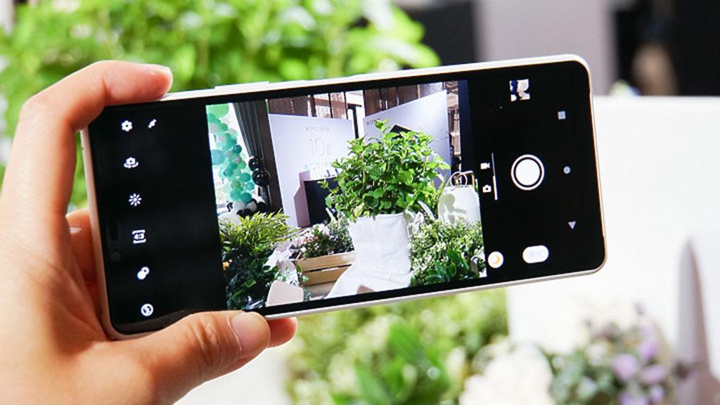 Những hình ảnh đầu tiên được chụp từ Sony Xperia 10 II