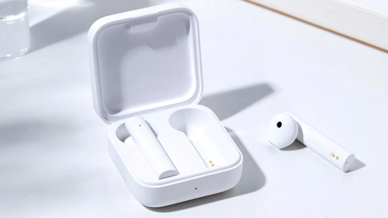 Mi True Wireless Earphone 2 Basic: Tai nghe True Wireless mới của Xiaomi với thiết kế tương tự Airpods, giá hơn 1tr VND